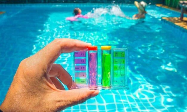 Příprava bazénu na sezónu: Čistíme bazén po zimě