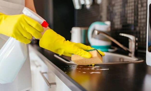Jak vyčistit kuchyňskou desku?